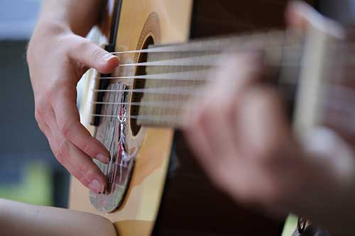 Best-Acoustic-Guitar-for-Fingerstyle